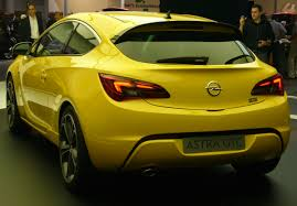 opel astra gtc 2015 file opel astra gtc front quarter 2 jpg wikimedia commons
