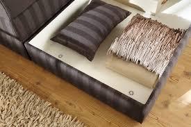 Kleines Schlafzimmer Mit Boxspringbett Boxspringbett Mit Bettkasten Praktischer Stauraum In Ihrem Bett