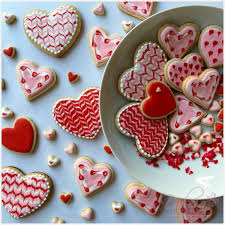 heart shaped cookies how to decorate s day heart shaped cookies with royal