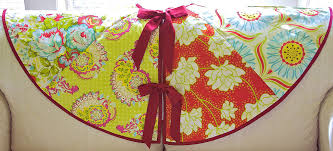 citrus simply quilted patchwork tree skirt sew4home