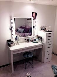 Glossy White Dresser Vanity Table With Lights Around Mirror Mirrors Bathroom Silver