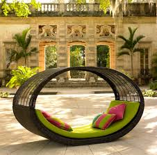 Modern Outdoor Patio Furniture Catch A Mid Day Nap On These Outdoor Patio Daybeds Daybed