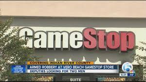 spirit halloween west palm beach armed robbery at vero beach gamestop store youtube