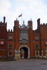 Best Small Group Tour Of Hampton Court Palace