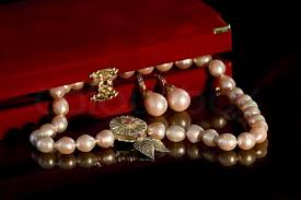 pink pearl gold necklace images Earrings and necklaces made of natural pink pearls and gold black jpg