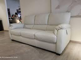 poltrone letto divani e divani divani by natuzzi divano chass礙 in pelle scontato 40
