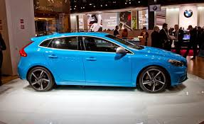 2015 volvo tractor 2015 volvo v40 hatchback india specs price mileage techgangs