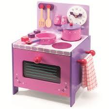 cuisine bois djeco cuisine en bois djeco dinette et cuisinière de violette