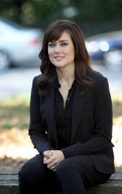 lizzy from black list hair elizabeth keen megan boone the blacklist tv series 2013 hair