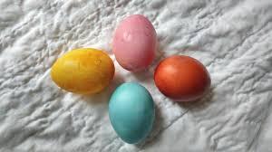 we tested pinterest u0027s natural easter egg dye recipes