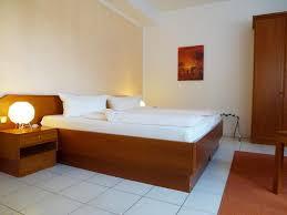 Bistro 33 Bad Schwalbach Hotels In Aspisheim Hotelbuchung In Aspisheim Viamichelin
