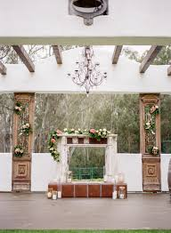 Non Traditional Wedding Decorations How To Pick A Wedding Venue Traditional Vs Non Traditional