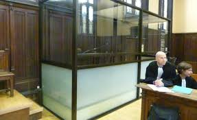 chambre correctionnelle a rouen un box de verre et la justice devient sourde