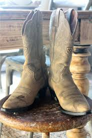 here are 8 styles of cowboy boots that every gal needs to have the