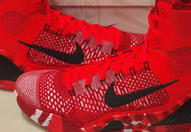 christmas kobes nike 9 elite christmas available early on ebay