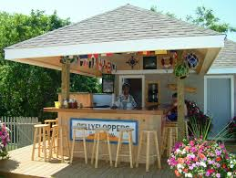 outdoor tiki bar on cape cod at the bayside resort