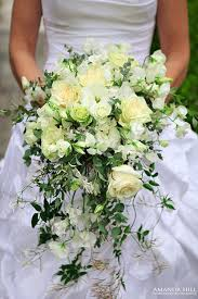 How To Make Bridal Bouquet Wedding Wednesday Shower Cascading Trailing Or Waterfall