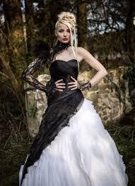 brautkleider ausgefallen extravagante brautmode schwarze brautkleider schwarz weiße und