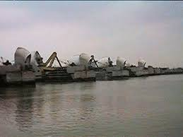 thames barrier failure barrier opened in 1982 to mitigate against flooding