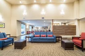 Comfort Inn And Suits Comfort Inn U0026 Suites Near Mt Rushmore Hotel In Hill City Sd Book