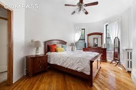 Brownstone Bedroom Furniture by Best Crown Heights Brownstones On Market Right Now Streeteasy