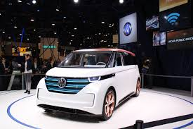 volkswagen electric concept volkswagen budd e electric microbus concept wins