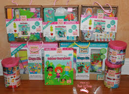 mom to 2 posh lil divas 10 frame fun with pom tree kids crafts