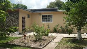 3 bedroom 2 bathroom house for rent in the kingston 6 area