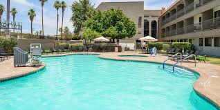 Comfort Inn Suites Palm Desert Holiday Inn Express Palm Desert Hotel By Ihg