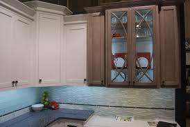 Under Kitchen Cabinet Lighting Battery Operated by Looking For Battery Operated Under Cabinet Lighting