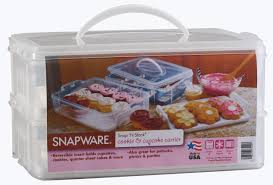 amazon com snapware 6032 large 2 layer cupcake keeper kitchen