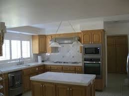 what color goes with oak cabinets help best paint color with oak cabinets