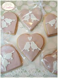 heart shaped biscuit wedding favours wedding favours pinterest