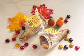 11 diy edible thanksgiving table favors forkly