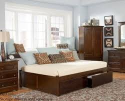 adorable full size daybed with perfect design and nice material