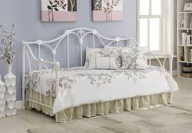 Linen Daybed Bedroom Mesmerizing Metal Daybed With Simple Styling U2014 Gasbarroni Com