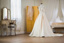 bridal consultant things a bridal consultant should tell you the dress matters