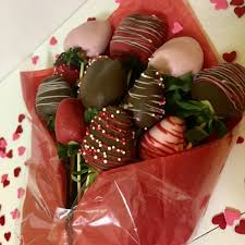 chocolate covered strawberry bouquets 1 dz strawberry bouquet sweet treats delight
