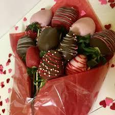 chocolate strawberry bouquet 1 dz strawberry bouquet sweet treats delight