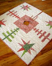 the best quilted tree skirts 15 christmas quilt patterns seams