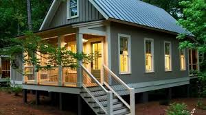 small cabin house plan covered porch maxhouseplans home house