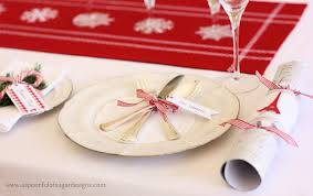 Christmas Table Cloths by Christmas Table Christmas Table Setting Decor Christmas Table