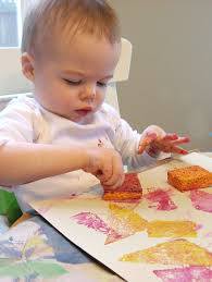50 easy art projects for toddlers sponge painting babies and