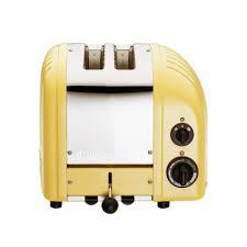 sur la table toaster dualit yellow two slice toaster sur la table
