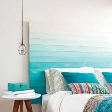 chambre avec tete de lit une chambre avec une tête de lit peinte en degradé chambre