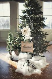 Wedding Decoration Church Ideas by Best 25 Fake Snow Wedding Ideas On Pinterest Snow Decorations