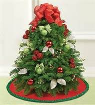 Christmas Floral Table Decorations by Christmas Table Decorations For That Extra Special Festive