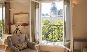 Home Of The Eifell Tower 1 Bedroom Paris Accommodation With Romantic Eiffel Tower View