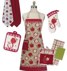 kay dee designs aprons oven mitts and kitchen towels kay dee designs apple season kitchen linen set