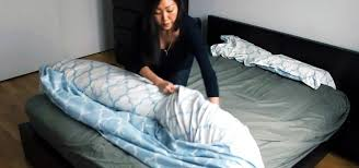 Difference In Duvet And Comforter The Duvet Burrito How To Put A Duvet Cover On Your Comforter The